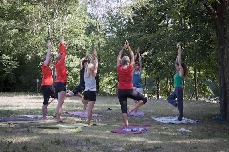 Activité yoga extérieur